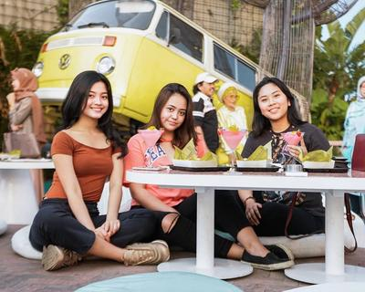 Tambah Koleksi Foto Kamu di 5 Cafe di Bandung yang Baru dan Instagramable!