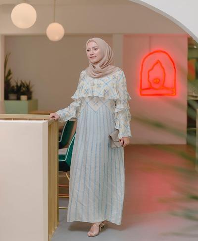 Kekinian Abis! Busana Muslim Model Gamis Seperti Ini Lagi Laris di Pasaran