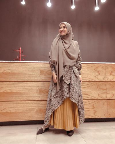 Deretan 10 Artis Indonesia Cantik yang Mulai Berhijab Menutup Dada, Namun Tetap Cantik dan Modis!