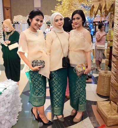Model Baju Kebaya Songket