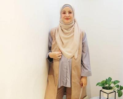 Style Ibu Muda Kekinian yang Bisa Kamu Contek dari OOTD Hijab Para Selebgram Saat Hamil
