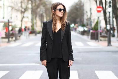 [FORUM] Kenapa baju warna gelap cenderung bikin orang keliatan kurus ya?