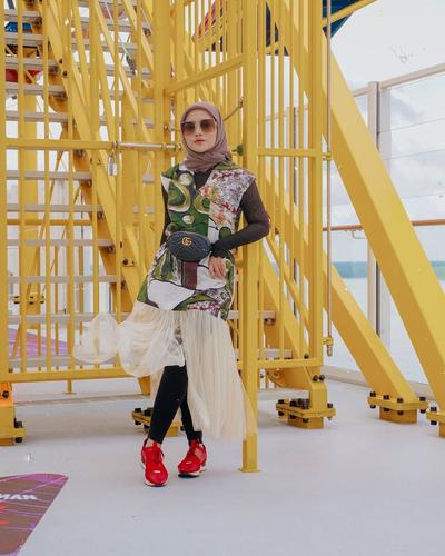 3. Membuka Clothing Line Bernama Raven is Odd