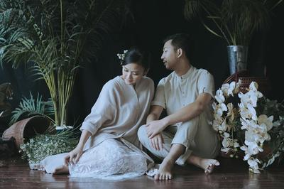 Inspirasi Desain Baju Couple Anti-Mainstream yang Cocok Dipakai ke Kondangan