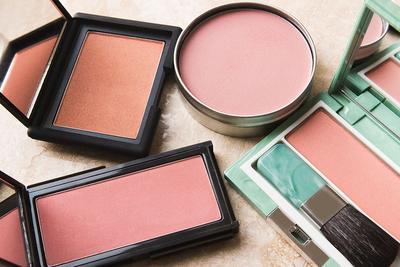 [FORUM] Lebih suka pake blush on pink atau peach gengs?
