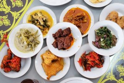 [FORUM] Lebih suka masakan padang atau masakan manado nih?