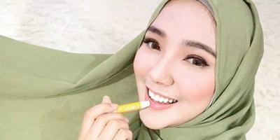 Bukan Cuma Buat Bibir, Ini 4 Manfaat Lipbalm Bagi Kecantikan yang Mungkin Belum Kamu Tahu!
