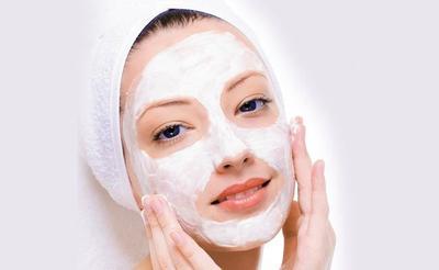 2. Cara Memutihkan Kulit Wajah dengan Tepung Beras dan Yogurt