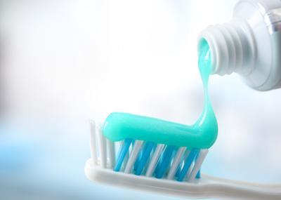 [FORUM] Pasta gigi yang untuk gigi sensitif ngefek gak sih?