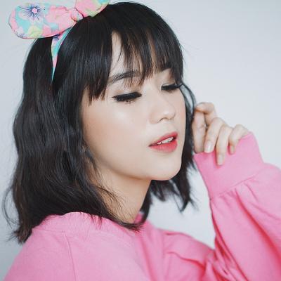 Anti-Boring, Inspirasi Style Makeup ini Bakalan Cocok untuk Berbagai Outfit Warna Pink!