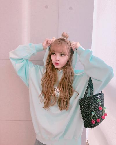 7 Inspirasi Fashion Style Artis Korea untuk Remaja Kekinian, Cute Banget!