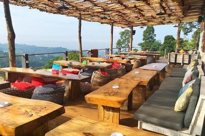 Lapar Tengah Malam di Bandung? Mampir Aja ke 5 Tempat Makan yang Buka 24 Jam Ini!