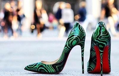 Merek Sepatu Termahal - Christian Louboutin