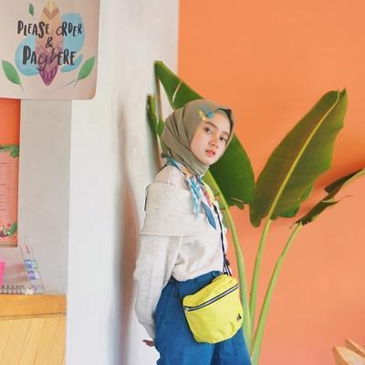 Penampilan Unik Hijabers, Pakai Jepit Rambut - Bandana di Hijab! Tertarik Coba?