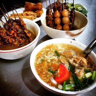 Nikmati Malam Hari Sambil Cicipi Kuliner Semarang