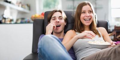 Malam Tahun Baru Cuma di Rumah? Ini Rekomendasi Film Bagus untuk Temani Liburan Kamu!