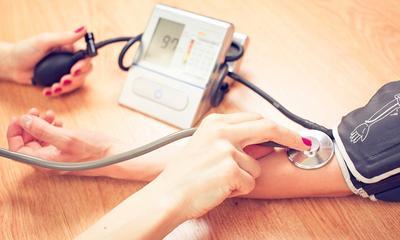 Sebelum Terlambat, Cari Tahu Semua Hal Tentang Darah Tinggi Beserta Makanan Pemicunya!