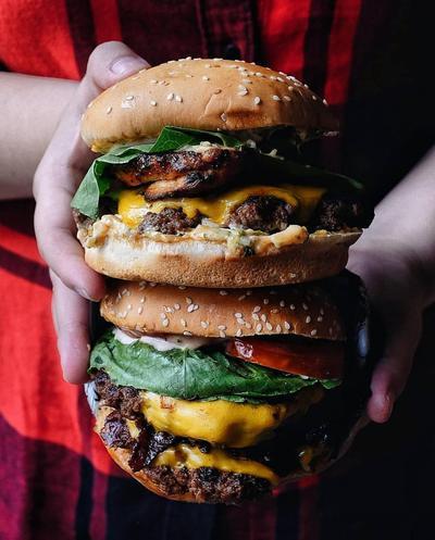5 Resto Ini Punya Menu Burger yang Enak Banget, Dijamin Bikin Nagih!