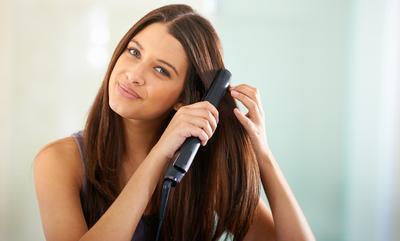 Hmm, Ternyata Melakukan Perawatan Rambut Seperti Ini Salah Lho, Ladies!