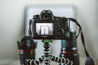 2. Sediakan Kamera yang Sesuai dan Berkualitas Baik