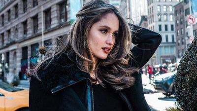 Enggak Melulu Seksi, Ini Bukti Gaya Cinta Laura dengan Style Tertutup
