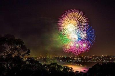 [FORUM] Apa yang kalian paling tunggu dari tahun baru?