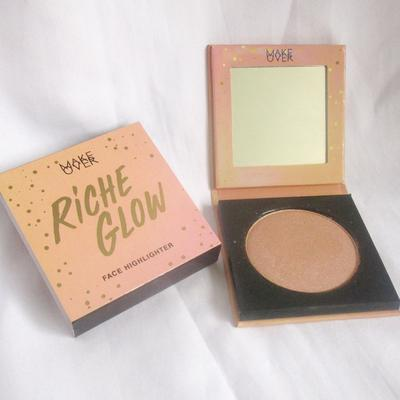 Makeover Riche Glow Face Highlighter