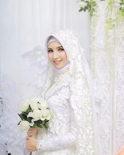 5 Model Kebaya Akad Nikah Super Simple Ini Lagi Digandrungi