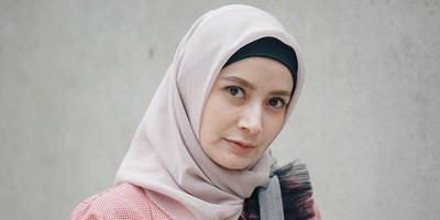 [FORUM] baru pake hijab nih, kerudung yang wajib aku punya warna apa ya?