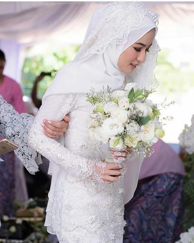 Pengantin Muslim - Classic White