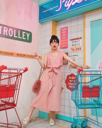 2. Pinky Dress
