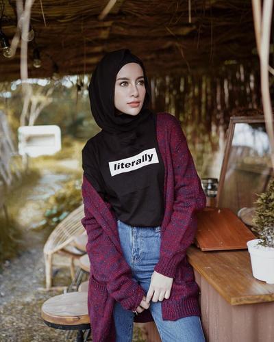 5 Style Hijab Casual ala Aghnia Punjabi, Santai Tapi Tetap Kekinian