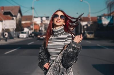 5 Cara Agar Rambut Tidak Lepek Setelah Melepas Helm dari Ojek Online