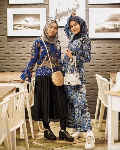Enggak Pede Pakai Batik? Coba Kenakan Model Batik Modern Ini, Ladies! Dijamin Tampilan Kamu Makin Modis