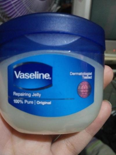 [FORUM] Apa benar vaseline repairing gel bisa untuk jerawat ya????