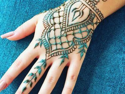Desain Henna Glitter