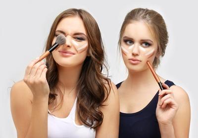 Trik Buat Hidung Mancung Hanya dengan Makeup, Gak Perlu Operasi!