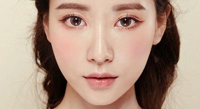 Mau Tampil Cantik dengan Eyeshadow Natural ala Idol Kpop? Ini Cara Mengaplikasikannya!