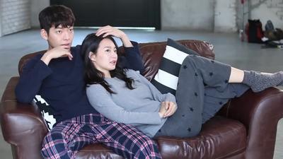 Seperti Dalam K-Drama! Ini Gaya Pacaran Pasangan Artis Korea Shin Min Ah dan Kim Woo Bin yang Romantis Banget