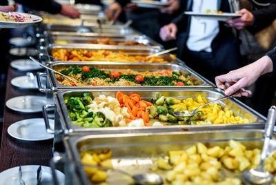 Hotel di Jakarta Ini Sajikan Makanan All You Can Eat yang Bikin Ngiler!