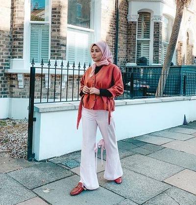 Style Hijab Pink dan Merah Bata