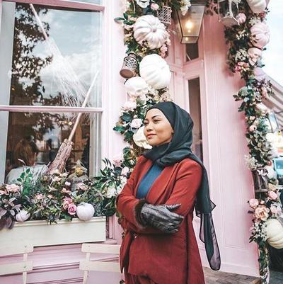 Style Hijab Warna Bold