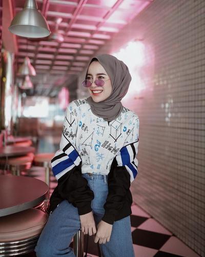 Simple Banget, Ini Tutorial Hijab Sesuai Bentuk Wajah Kamu!
