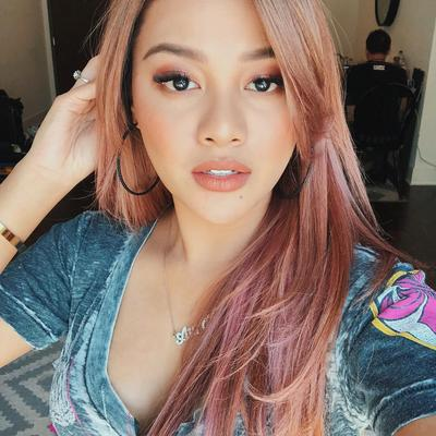 Gak Kalah Keren, Ini Merek Kosmetik Artis Indonesia yang Lagi Hits!