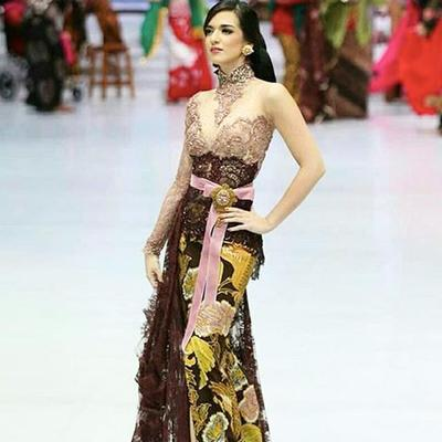 Kebaya Indonesia Fashion Week - Anne Avantie