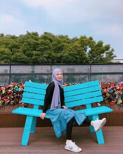 Mix and Match, Ayana Terlihat Semakin Chic!