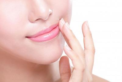 Cara Membuat Bibir Sehat dan Merah Muda Alami