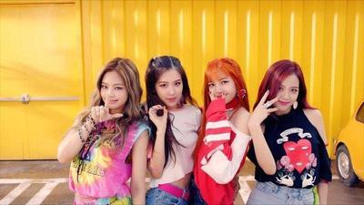 Makin Memukau Pada MV As If It's Your Last