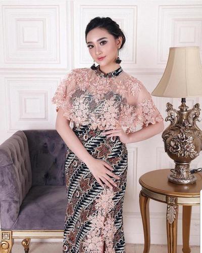 Model Baju Brokat Kombinasi Batik