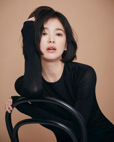 Deretan Gaya Fashion Song Hye Kyo dalam Drama 'Encounter', Harganya Bikin Gigit Jari!